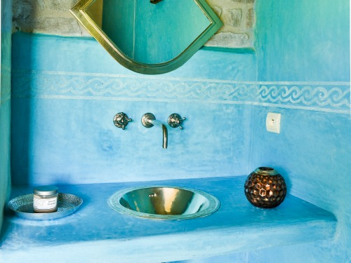 Moroccan atmosphere for the sink area Hammam